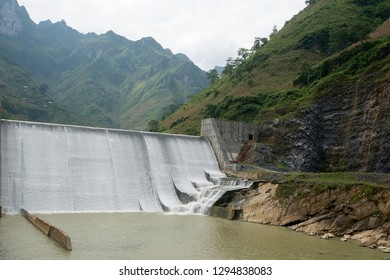 Waterfall of 	hydroelectric power station of Nho que river