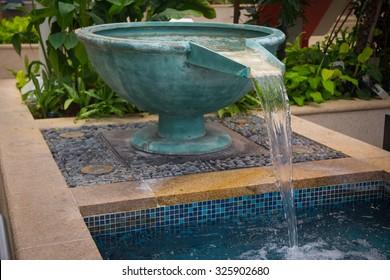 waterfall basin The bathtub overflow  Tub overflow  Water flow
