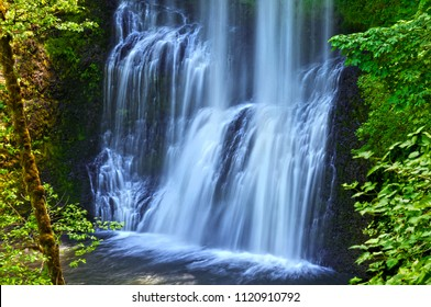 Waterfall cascading in Lower South Falls in Silver Falls State Park