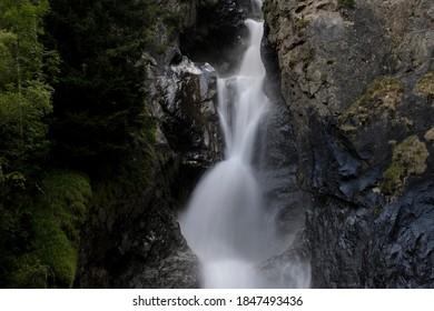 Waterfall en Ecrins National Parl view