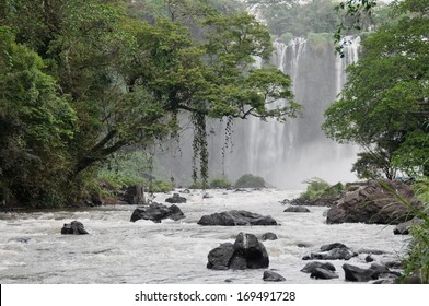 Waterfall of Eyipantla, San Andres Tuxtla (Mexico)