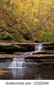 waterfall at Matthiessen state park IL