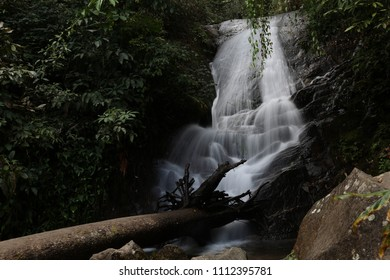 waterfall a slow shutter shot photgraphy