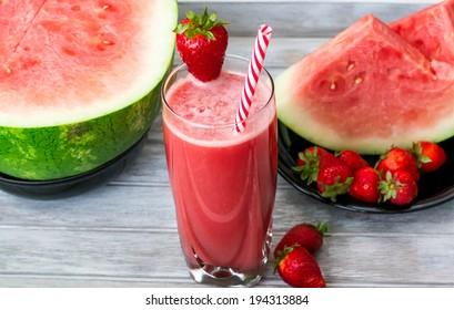 Watermelon strawberry ginger smoothie