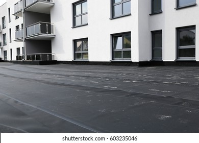 Waterproofing flat roof with bitumen