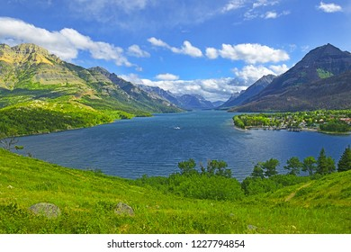 Waterton Lake, Waterton Lakes National Park is a national park located in the southwest corner of Alberta, Canada, and borders Glacier National Park in Montana, UNESCO World Heritage Site