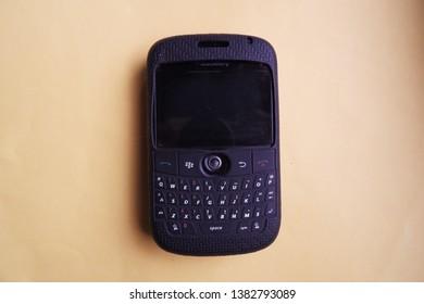 Dating Sims voor BlackBerry hoe vaak moet je iemand zien wanneer de eerste dating