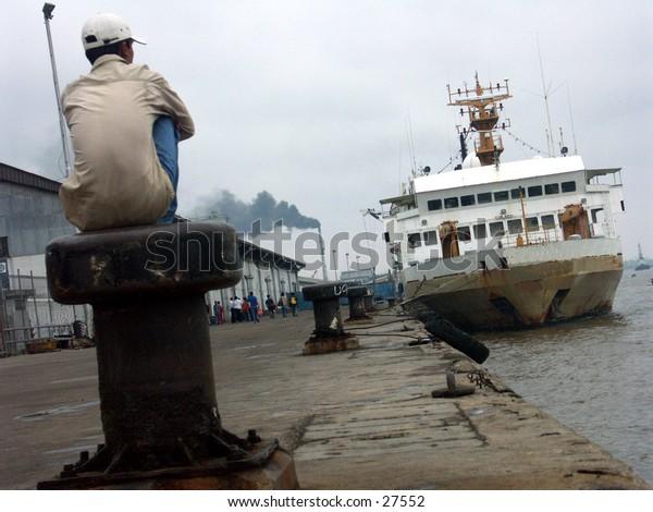Wathing a ship