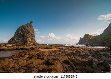 watu lumbung Gunung Kidul Beach, Indonesia Java Island