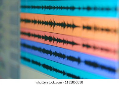wave file of sound on monitor / record sound in studio