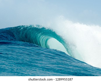 wave surf surfing barrel mentawai water power nature ocean blue spray tube ocean art art waterphotography surftrip island life tropical paradise mentawai indonesia