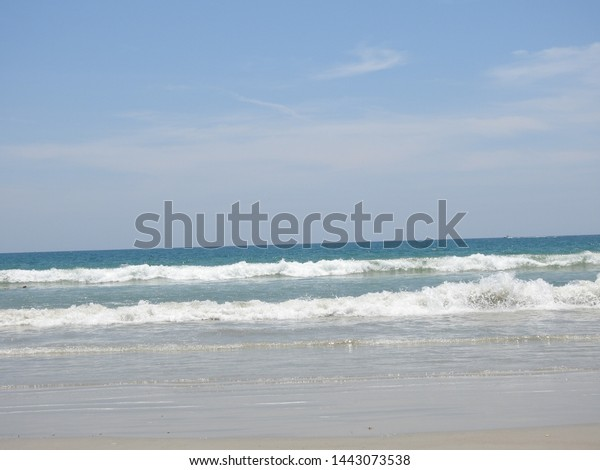 waves-atlantic-ocean-washing-ashore-600w