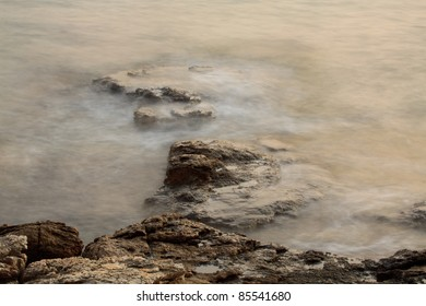 waves on the rocks (long exposure)
