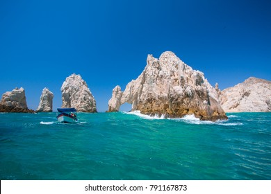 Wavy water at Arch of Cabo San Lucas in Mexico