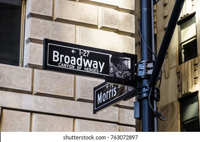 The way to Broadway, New York