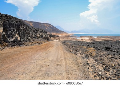 Way to Lac Assal (Salt Lake), Djibouti