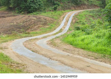The way up the mountain Backcountry road,Roads that are built to save money,Economically constructed roads,Northern Thailand.