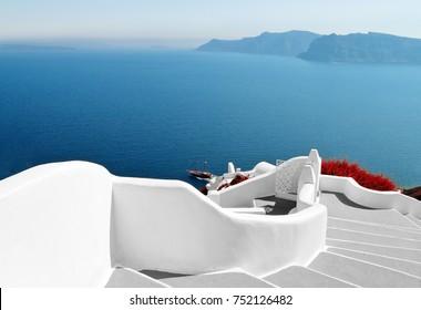 way to the sea in santorini in greece
