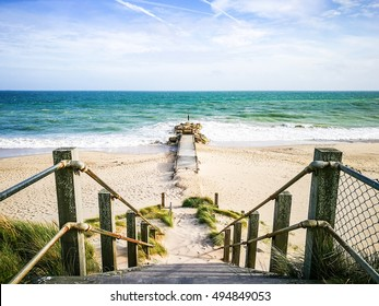 Way walk to the sea in Bournemouth, UK. This is a place for holiday and family time that you will be relaxed.
