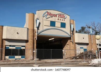 WAYNE, NEW JERSEY/USA - April 1, 2019: Demolition of the abandoned Wayne Hills Mall at 1 Wayne Hills Mall, Wayne, NJ 07470. Editorial use only.