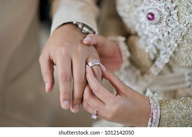 Wear a ring. wedding ring . love couple