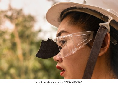 Wear safety glasses saved this engineer women is eye while work because plug in cutting discs broken, Safety first, Dangers of using power tools, broke, broken