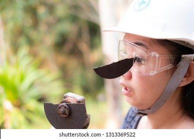 Wear safety glasses saved this engineer women is eye while work because plug in cutting disc broken, Dangers of using power tools, Safety first