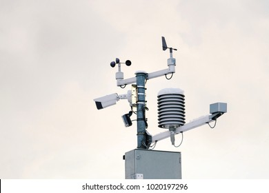 Weather station for meteorological forecast, anemometer, wind meter, direction sensors