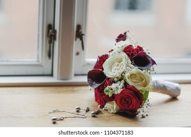 Wedding bouquet. Beautiful flowers for the wedding day.