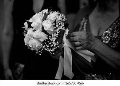 Wedding bouquet, shooting with Canon 5d mark ii + Canon 50mm f/1.8