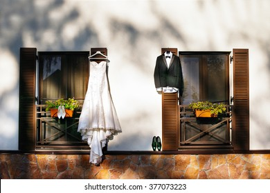 Wedding brides drees and grooms suit