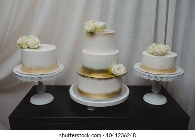 Wedding cake arrangement
