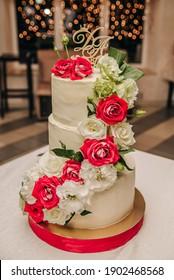 Wedding cake with beautiful decor