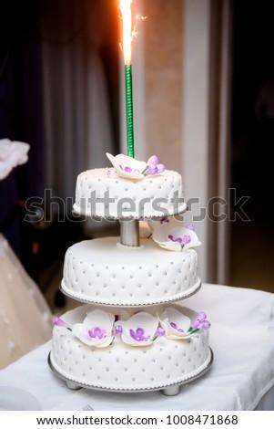 Wedding Cake Orchid Decorations Stockfoto Jetzt Bearbeiten