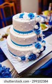 Wedding cake. Sweet cake.
