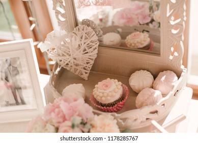 wedding candy bar, capcake and marshmellow