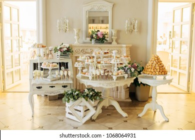 Wedding candy bar and different cap cakes