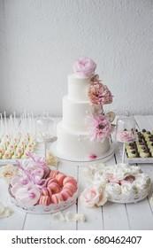 wedding candy bar, wood background. roses