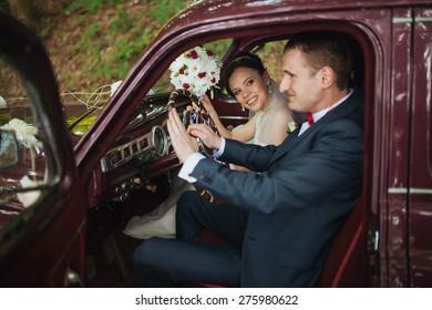 wedding car and tenderness weddig love