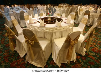 wedding Chinese style with dining table on warm white in the hall at hotel