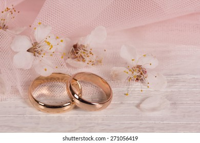 Wedding concept with flowers apricots in pink