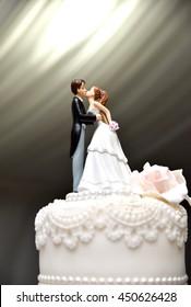 Wedding Couple Figure on The Cake