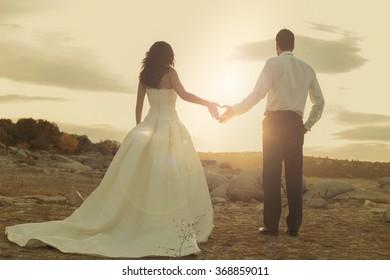 wedding couple heart hands