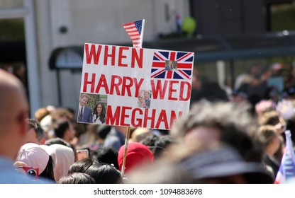 wedding crowds, windsor, Uk, 5/19/2018 : crowd scenes after Meghan Markle and Prince Harry wedding so many people  at Windsor castle, sign 'when harry wed Meghan'