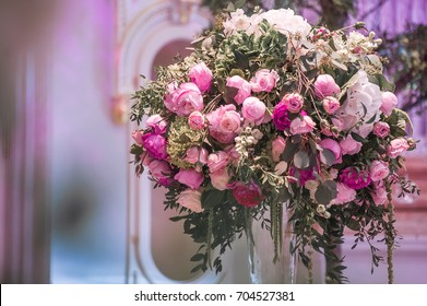 wedding decoration with flowers. picture with soft focus