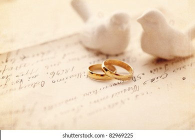 wedding decoration with wedding rings