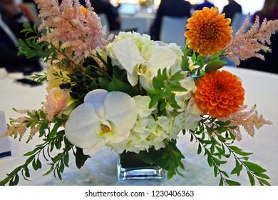 Wedding flower arrangement table