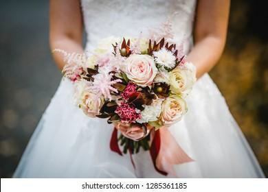 wedding flowers bride bouquet rings