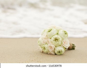 wedding flowers lotus on the beach.Vintage color style