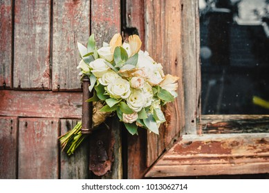 Wedding flowers on a woodden backgroung